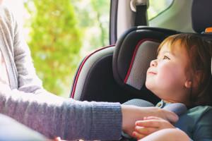 Cómo elegir la mejor silla de auto para bebés