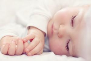 Deja de sabotear el sueño de tu bebé en la cuna